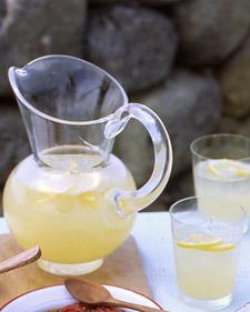 La103380_0708_lemonade_l